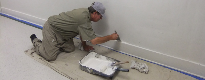 BOP inmate receiving painting instructions
