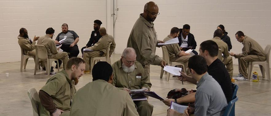 """understanding state and federal prisons essay Correction facilities being ran privately instead of being run by the government is a growing concept that has been meet with both praise and skeptisism pratt and maahs, describe privatization in corrections as a growth industry state """"rooted primarily in the political and economic context of the 1980s."""